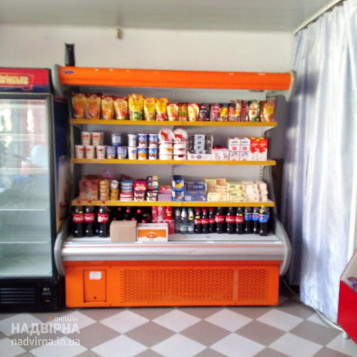 Холодильна шафа для молочних продуктів