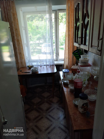 Продам 2-ох кімнатну квартиру на 1 поверсі