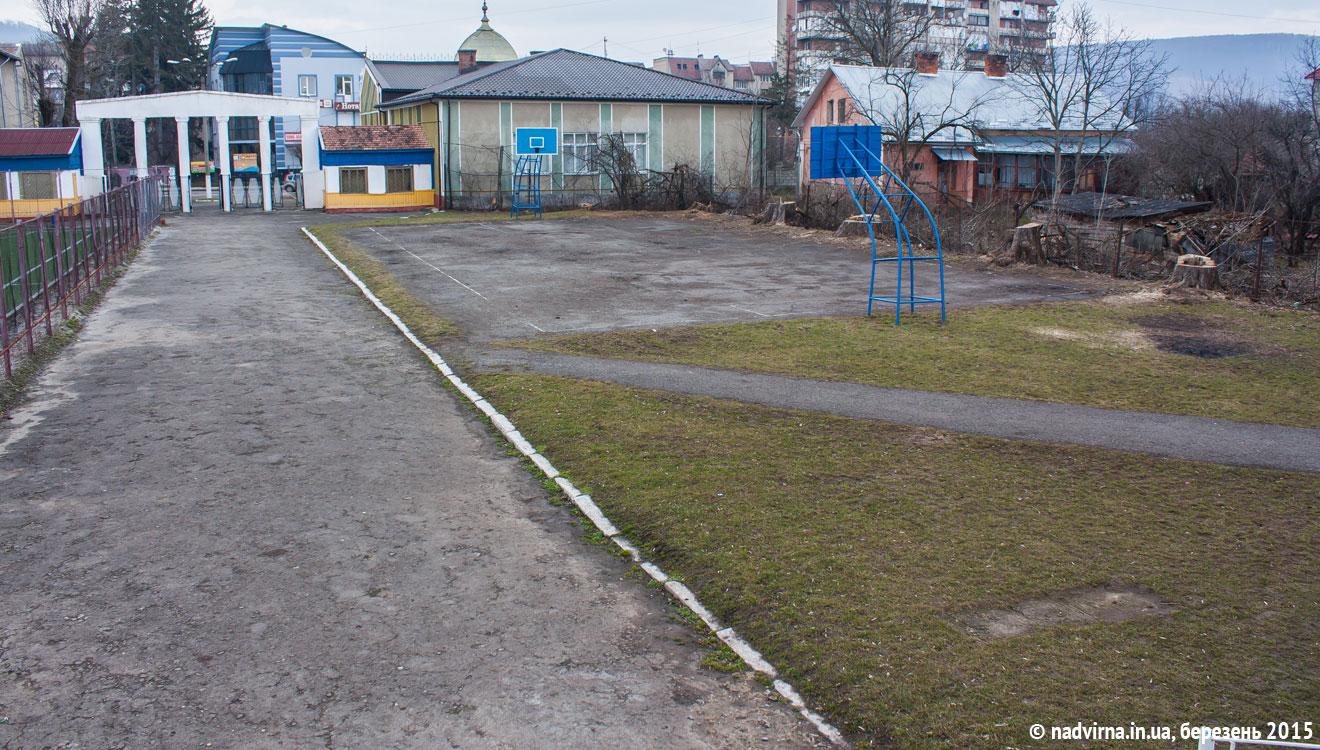 Стадіон Нафтовик