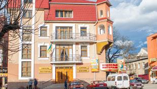 Смарагд готель