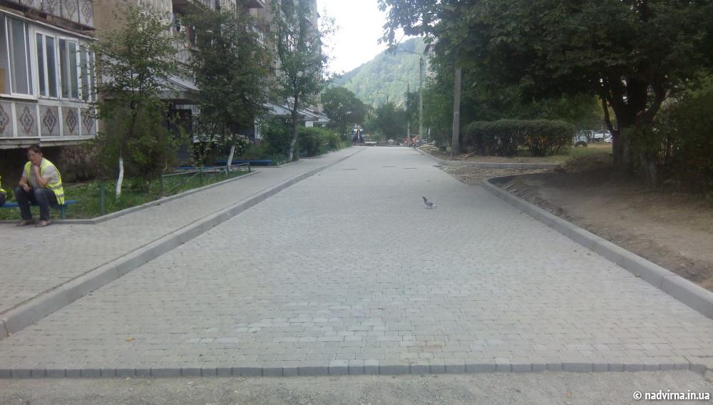 Оновлення пішохідних доріжок Надвірна