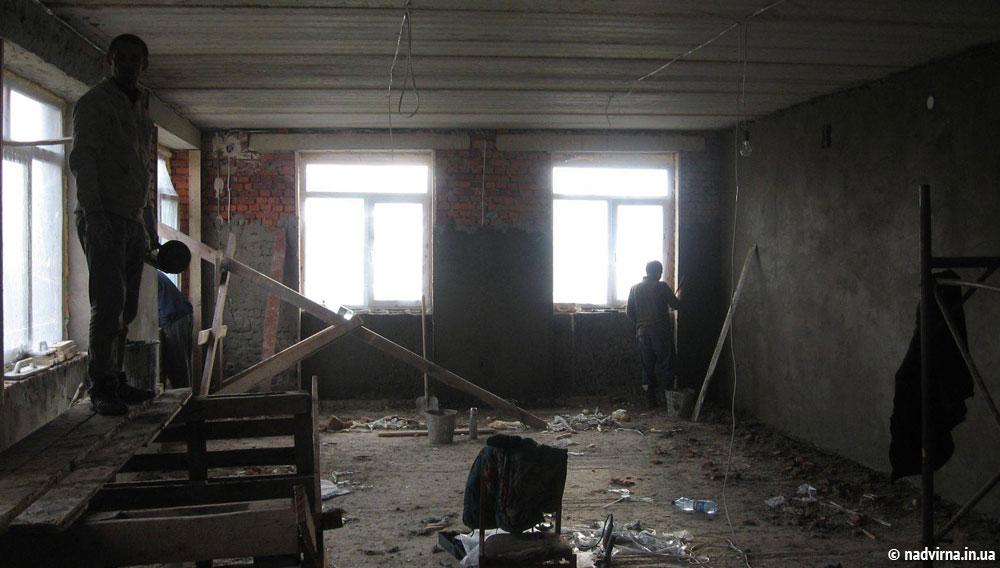 Добудова Назавизівської школи